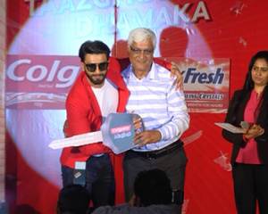 Colgate MaxFresh Power Freeze Launch